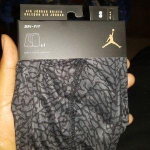 3 XL Jordan boxer briefs